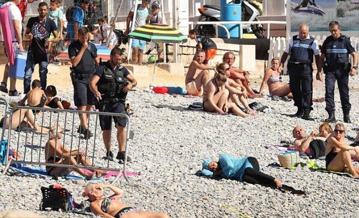 polizia francese burkini velo islamico