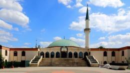austria chiude moschee espulsione imam