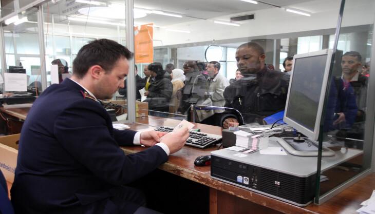 Falsi documenti per favorire permesso di soggiorno for Rinnovo permesso di soggiorno lavoro subordinato documenti necessari