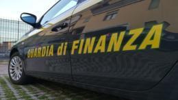 guardia di finanza associazione a delinquere permesso di soggiorno