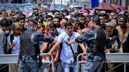 migranti permesso di soggiorno salvini
