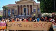 proteste sanatoria migranti