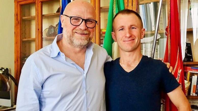 sindaco nogarin qato nertil sindaco eroe albanese